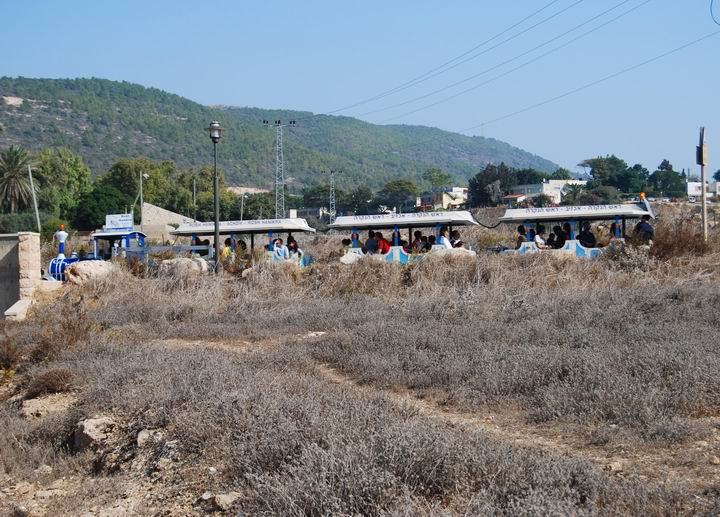 Khirbet Masref: tourist train
