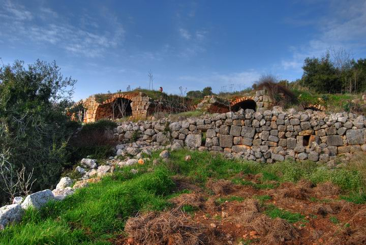 Hurvat (Khirbet) Mehoz  - north houses