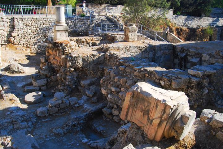 Bethesda: center section of the Byzantine basilica