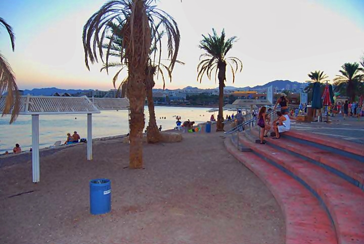 Eilat - the beach boardwalk
