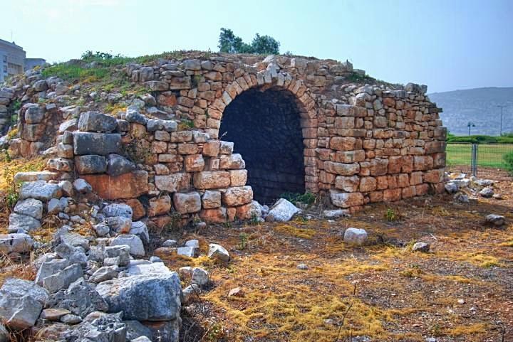 Hurvat Kav - the Ottoman structure - view from the east