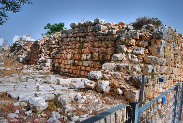 Hurvat Kav - the Ottoman structure - view from the west