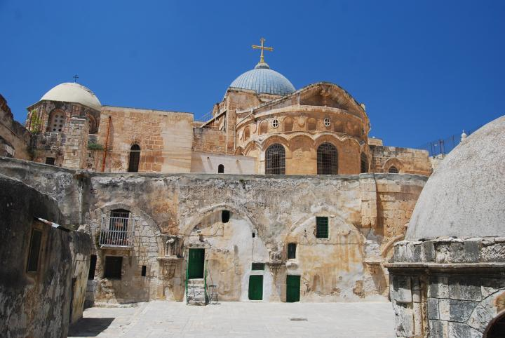 The rear of the Holy Sepulcher - 9th station