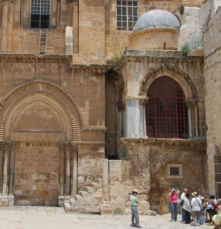 Chapel of the Franks - the 10th station - on the right of the entrance to the Church of Holy Sepulchre
