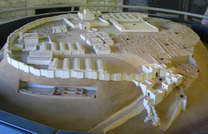 Model of Megiddo in the Israelite period.