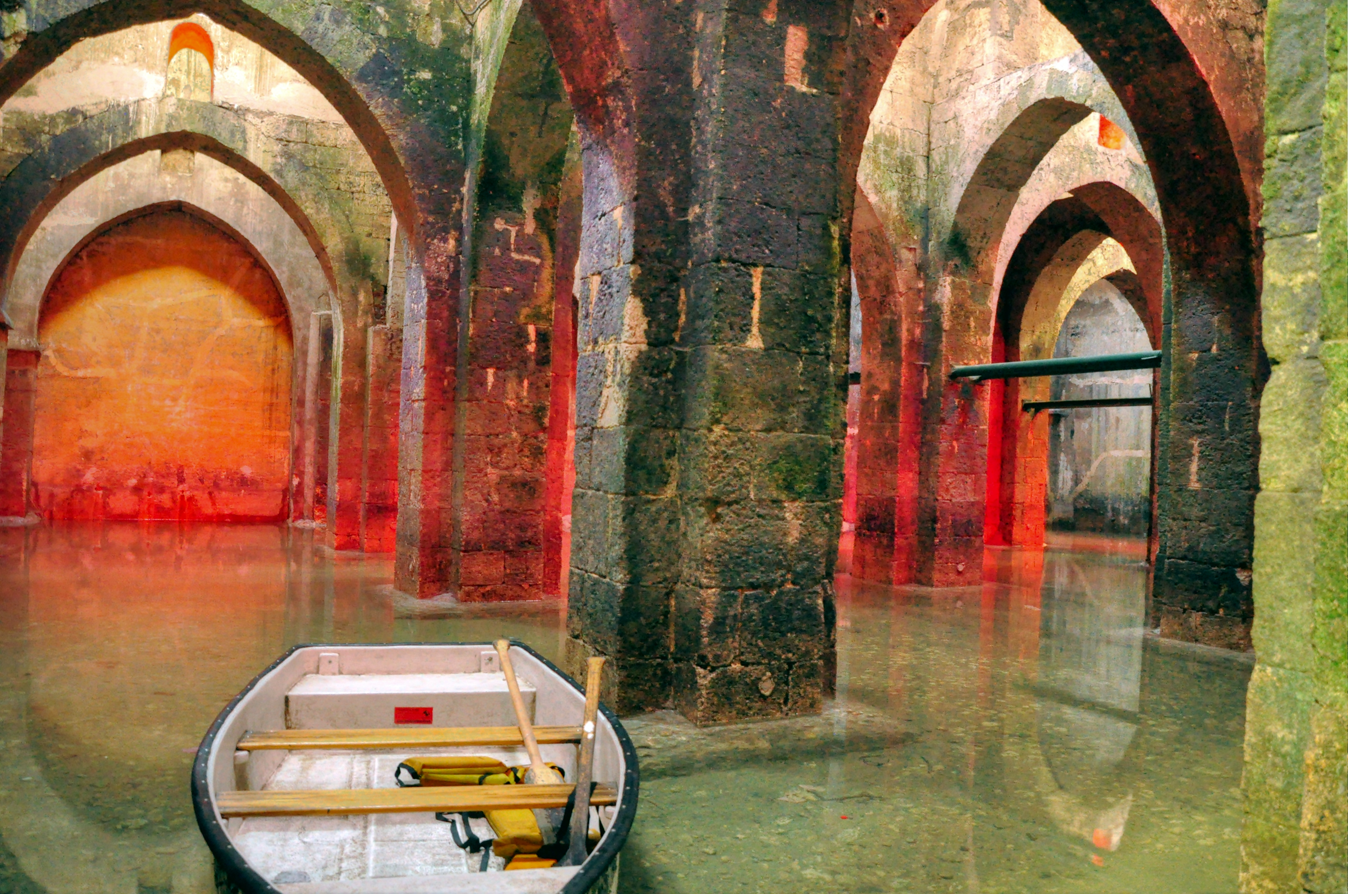 Arches Pool Ramla