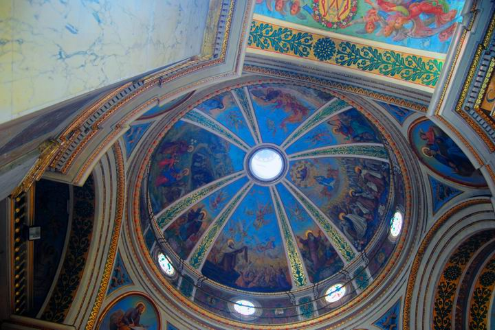 Ceiling of the main dome, with beautiful frescos