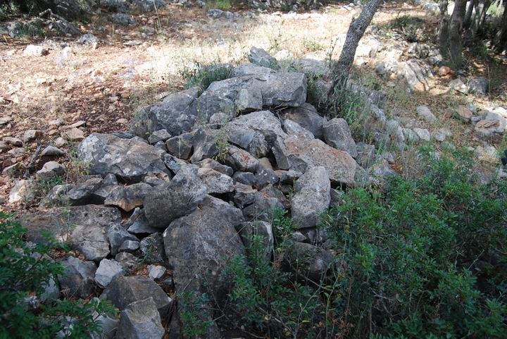 South wall around  Khirbet Beit Uriya
