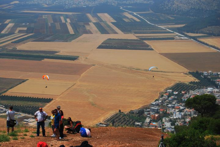 Hang Gliding on the west side of Mount Tabor